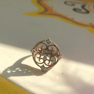 Beautiful Swarovski Elements statement ring